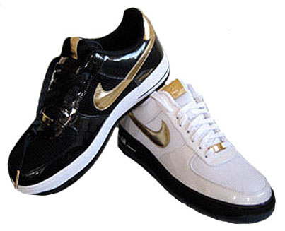 Pair US size 9 Mr Cartoon Livestrong Nike air force 1 trainers